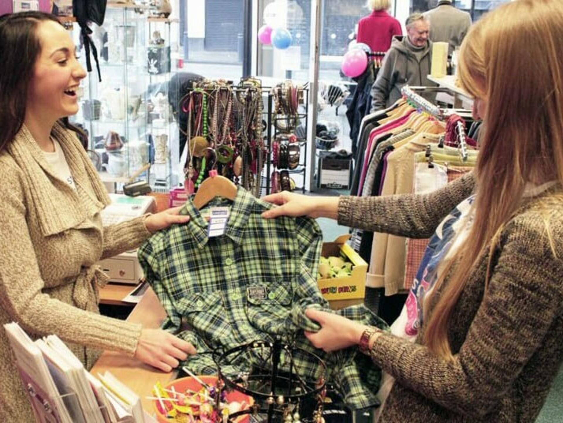 ODI Freiwilligendienst Irland Charity Shop